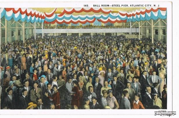 1940s-Postcard-BALLROOM-STEEL-PIER-ATLANTIC-CITY-NJ